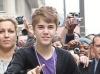 thumbs bieber vinkade fans paris 02 Justin Bieber bilder