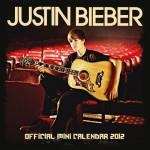 bieber kalender 2012 150x150 JB prylar: väskor, muggar, sängkläder, knappar mm