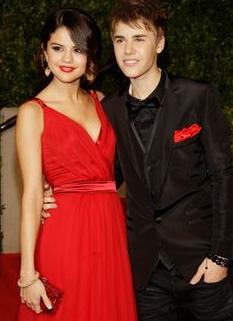 justin bieber selena gomez Justin Bieber + Selena Gomez= ett par