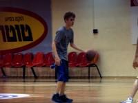 Justin Bieber spelar basket i Israel
