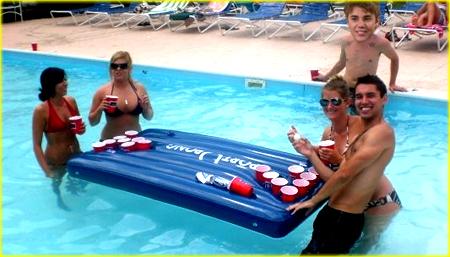justin bieber beer pong Justin erbjuden $2 miljoner för att göra reklam för Beer Pong