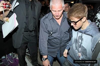 justin bieber dolce gabbana milano 10 Dolce & Gabbanas fest för Justin Bieber: nya bilder och videor
