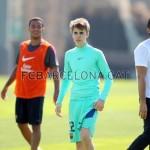 justin bieber fotboll barcelona 03 150x150 Justin spelar fotboll med Barcelona [bilder & videor]