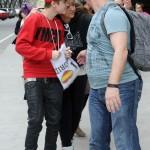 justin bieber madrid flygplats 05 150x150 Bieber anländer till flygplatsen i Madrid!