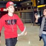 justin bieber madrid flygplats 09 150x150 Bieber anländer till flygplatsen i Madrid!