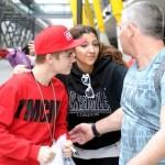 justin bieber madrid flygplats 10 150x150 Bieber anländer till flygplatsen i Madrid!