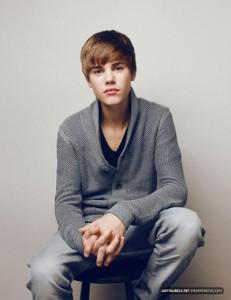 justin bieber photoshoot 231x300 Justin Bieber är mångmiljonär