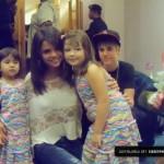 justin bieber selena gomez malaysia barn 04 150x150 Justin och Selena tar kort med barn i Malaysia