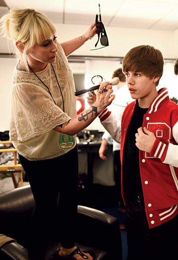 justin bieber vanessa price harstylist Biebers hårstylist Vanessa Price: Justin har fantastiskt hår!