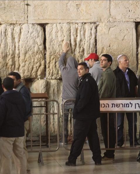 justin bieber vastra muren jerusalem JB besöker Västra muren i Jerusalem [video & bilder]