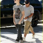 justin bieber chris brown studio 08 150x150 Justin & Chris Brown jobbar tillsammans igen