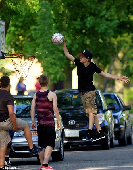 justin bieber dunk basket Bieber dunkar  basketbilder