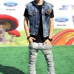 justin bieber jeans vast 150x150 Bilder på Justin Bieber