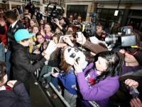 Flicka lägger ut sin oskuld på auktion- i utbyte mot biljett till Justin Biebers konsert