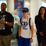 justin bieber flygplats los angeles 07 150x150 Bieber anländer till Los Angeles flygplats