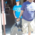 justin bieber ryan butler shoppar 10 150x150 Justin Bieber & Ryan Butler shoppar på Armani