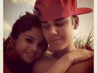 Instagram-bild: Justin Bieber och Selena Gomez kramas