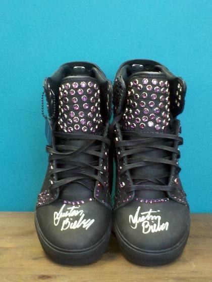 justin bieber supra sneakers auktion Justin Bieber donerar Supra skor till välgörenhetsauktion