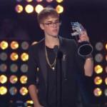 justin bieber vma orm 05 150x150 Justin Bieber @VMA 2011 (med ormen Johnson)