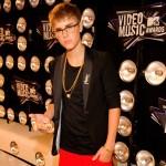 justin bieber vma orm 06 150x150 Justin Bieber @VMA 2011 (med ormen Johnson)