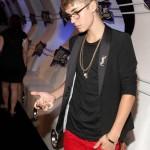 justin bieber vma orm 07 150x150 Justin Bieber @VMA 2011 (med ormen Johnson)