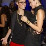justin bieber vma orm 09 150x150 Justin Bieber @VMA 2011 (med ormen Johnson)