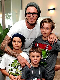 david beckham barn Justin & Selena bjudna på lunch av Beckhams