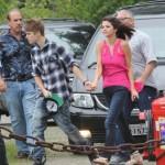 justin selena helikopter brasilien 12 150x150 Justin Bieber & Selena Gomez åker helikopter @ Brasilien [bilder]