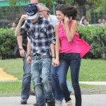 justin selena helikopter brasilien 16 150x150 Justin Bieber & Selena Gomez åker helikopter @ Brasilien [bilder]