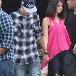 justin selena helikopter brasilien 19 150x150 Justin Bieber & Selena Gomez åker helikopter @ Brasilien [bilder]