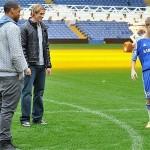 justin bieber fotboll chelsea 07 150x150 Justin Bieber spelar fotboll med Chelsea [bilder]