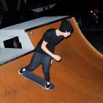bieber skateboard 17 150x150 Justin skatar i bar överkropp [bilder+video]