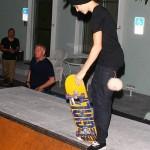 bieber skateboard 21 150x150 Justin skatar i bar överkropp [bilder+video]