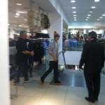 justin bieber hm new york 02 150x150 Justin shoppar på H&M i New York [bilder]