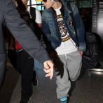 justin bieber lax 071 150x150 Justin Bieber @ LAX