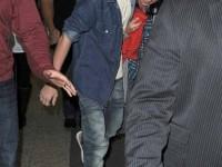 Justin och Selena på La Guardia-flygplatsen i New York