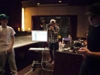 Bild på Justin i studion