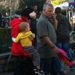 justin familj selena disneyland 04 150x150 Justin med familj & Selena @Disneyland på Alla hjärtans dag