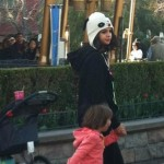 justin familj selena disneyland 05 150x150 Justin med familj & Selena @Disneyland på Alla hjärtans dag