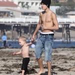 justin jaxon jazmyn jeremy pattie malibu beach 07 150x150 Justin, Jaxon, Jazmyn, Jeremy och Pattie @ Malibu Beach [bilder]