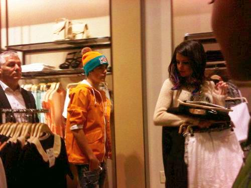 justin selena shoppar Justin och Selena shoppar i NY [bild]