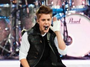 justin bieber konsert sverige 300x225 Justin Biebers konserter slutsålda