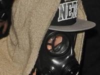 Bieber i gasmask